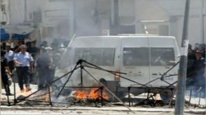 إصابة 3 أعوان أمن وبائع متجول بحروق إثر محاولة حرق سيارة الدورية