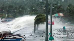 """مقتل 100 شخص في إعصار """"هايان"""" بالفلبين"""