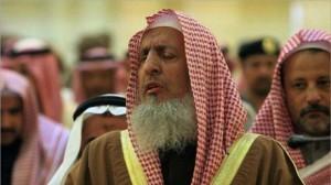 """مفتي السعودية: من يفجر نفسه """"مجرم"""" عجّل بنفسه للنار"""