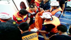 غرق مركب في أندونيسيا