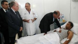 الرؤساء الثلاث يزورون جرحى الجيش بالمستشفى العسكري بتونس