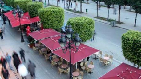 المقاهي والمحلات التجارية