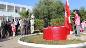 رئيس الحكومة مهدي جمعة يشرف على افتتاح السنة الدراسية الجديدة 2014- 2015 بمدرسة الحبيب بورقيبة في مجاز الباب