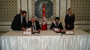 التوقيع على اتفاقية بين وزارة العدل و كتابة الدولة للمرأة والأسرة