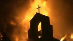 احراق كنيسة بعد تخريبها على يد مجهولين في عدن