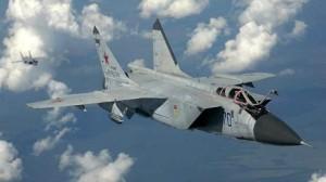 اقتراب مقاتلة روسية من طائرة استطلاع أمريكية فوق البحر الأسود