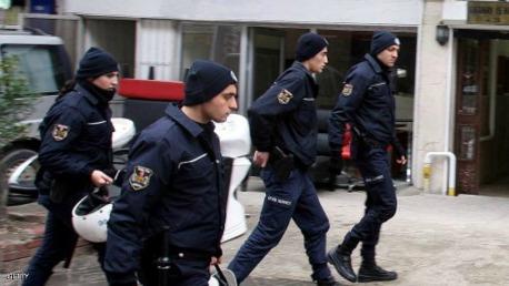 تركيا تعتقل مشتبهين بإرسال مسلحين لداعش kk