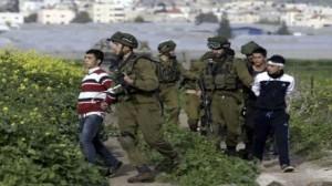 الكيان الصهيوني يعتقل أكثر من 20 فلسطينيا بالضفة والقدس