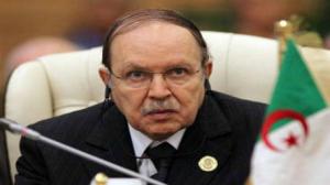 بوتفليقة يؤكد أن عائدات النفط بالجزائر تراجعت بنسبة 70 بالمئة خلال عامين