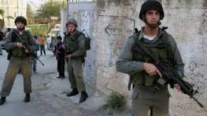 الشرطة الصهيونية تعتقل فلسطينية بدعوى طعن شرطي