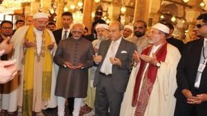بجامع الزيتونة: وزير الشؤون الدينية يستقبل نائب الرئيس الهندي