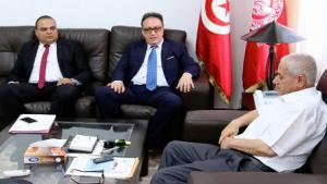 """فحوى لقاء """"حسين العباسي"""" بـ """"حافظ قائد السبسي"""""""