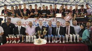 """وزير الشباب والرياضة يُكرم البطل العالمي في الكيك بوكسينغ التونسي """"وائل الغريبي"""""""