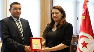 مؤسّسة الإذاعة والتّلفزة التّونسيّة تكرّم وزيرة الثّقافة والمحافظة على التّراث