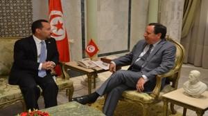 خميس الجهيناوي و دانيال روبنستين سفير الولايات المتحدة الأمريكية بتونس