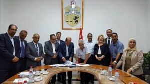 : الإمضاء على اتفاقية الزيادة في الاجور بعنوان سنة 2016