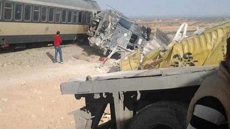 قابس :مقتل شخصين في اصطدام قطار بشاحنة