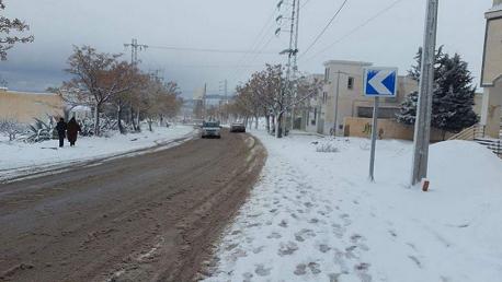 تساقط كميات هامة من الثلوج في عدة معتمديات من ولاية القصرين