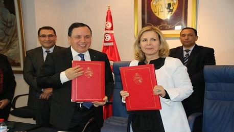 اتفاقية بين وزارتي السياحة والخارجية لفتح أسواق عالمية للمنتوج التونسي