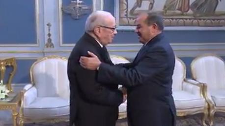 رئيس الجمهورية الباجي قايد السبسي و محمود جبريل  رئيس الحكومة الليبية السابق