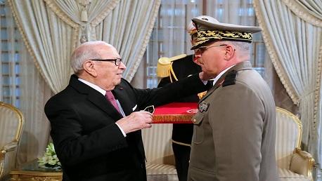 """ترقية رئيس أركان جيش البرّ إلى رتبة """"فريق"""""""