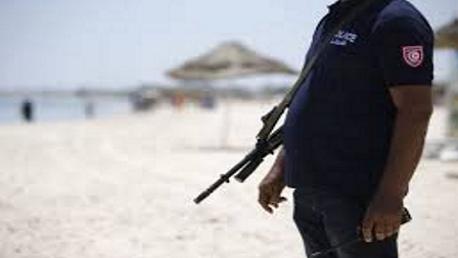 جربة: عون أمن سياحي يُطلق النار على نفسه