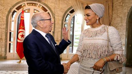 السبسي و الشيخة موزا بنت ناصر