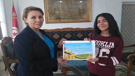 """تعيين """"نور قمر"""" سفيرة الوطنية للطفولة"""