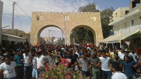 دوز: إضراب عام ومسيرة مساندة لمعتصمي الكامور