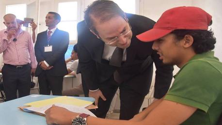 رئيس الحكومة يوسف الشاهد يواكب انطلاق اختبارات الدورة الرئيسية لامتحان البكالوريا