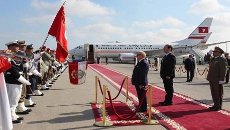 """السبسي يُغادر تونس نحو برلين للمشاركة في مؤتمر """"الشراكة مع افريقيا"""""""