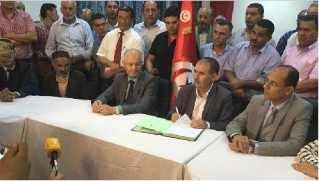 تطاوين: إمضاء اتفاق يقضي بفك اعتصام الكامور وعودة نشاط البترول