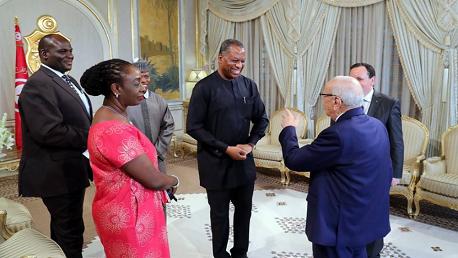 السبسي يلتقي وزير خارجية نيجيريا