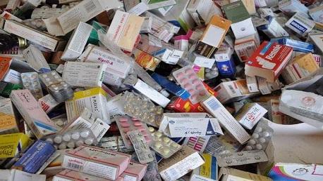 الكاف: حجز هواتف جوّالة وإطارات مطّاطيّة وأدوية بحوالي 200 ألف دينار