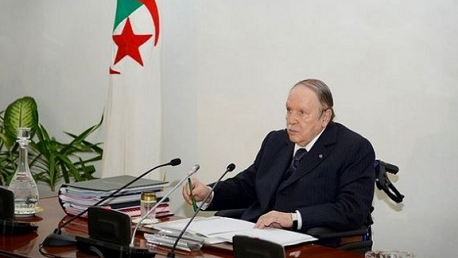"""""""بوتفليقة"""" يُوقع على اتفاق النقل الجوي بين تونس والجزائر"""