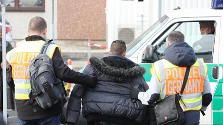 لرفضها طلبات لجوئهم: ألمانيا تُرحّل 25 تونسيا