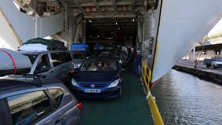 منع إنزال كل سيارة أو شاحنة محمّلة على سقفها بأدباش عبر ميناء حلق الوادي