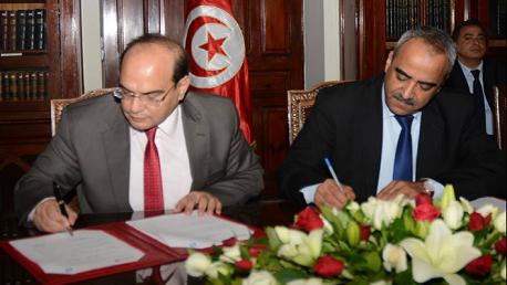 إمضاء اتفاقية تعاون وشراكة بين وزارة المالية وهيئة مكافحة الفساد