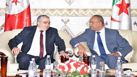 وزير الداخلية و الجماعات المحلية و التهيئة العمرانية، السيد نورالدين بدوي، وزير الداخلية التونسي السيد لطفي براهم.