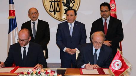 وزير الخارجية يستقبل نظيره الفرنسي ويشرف رفقته على توقيع خمس اتفاقيات ومذكرات تفاهم جديدة (ألبوم صور)