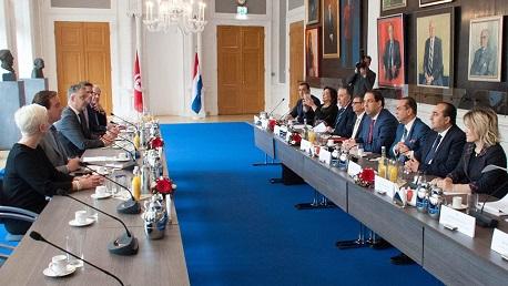 بالبرلمان الهولندي: الشاهد يتحادث مع رئيسي مجلس النواب والشيوخ