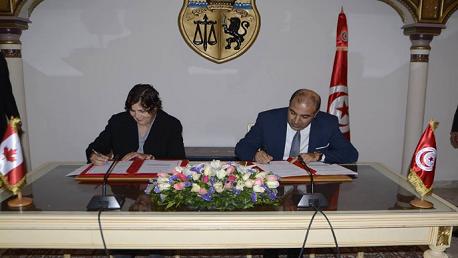 توقيع بروتوكول تفاهم بين حكومتي تونس وكندا لبعث مراكز مالية للباعثين الشبان