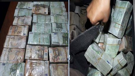 راس جدير الديوانة التونسبة تتمكن من حجز مبلغ كبير من العملة الصعبة تجاوز 3 مليون دينار في سيارة ليبية بعد.كشفها بجهاز الاشعة