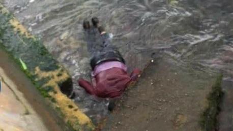 تسليم جثامين 6 ضحايا من مركب قرقنة لذويهم