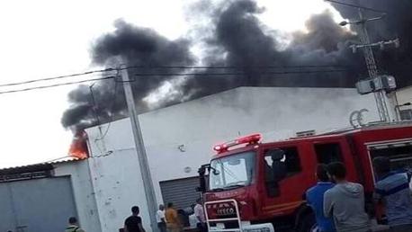 صفاقس/ إخماد حريق بمصنع ومنع إنتشار النيران إلى مؤسسات صناعية مجاورة