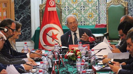 محمد الناصر يدعو لإحداث آليّة متابعة وإنذار مُبكّر تقي تونس من الصدمات