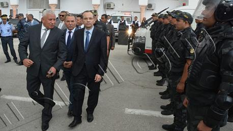 وزير الداخلية يتفقد إدارة وحدات التدخل وإدارة إقليم الأمن الوطني بتونس