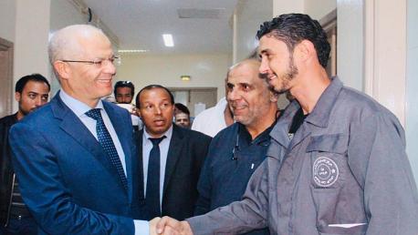 وزير الصحة يعود أعوان الصحة ضحايا الاعتداء بمركز الحروق البليغة ببن عروس