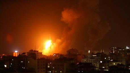 قصف على فلسطين