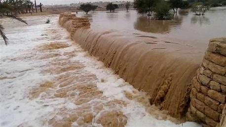 الأردن: وفاة 19 شخصا وإصابة 35 آخرين جرفتهم السيول في البحر الميت